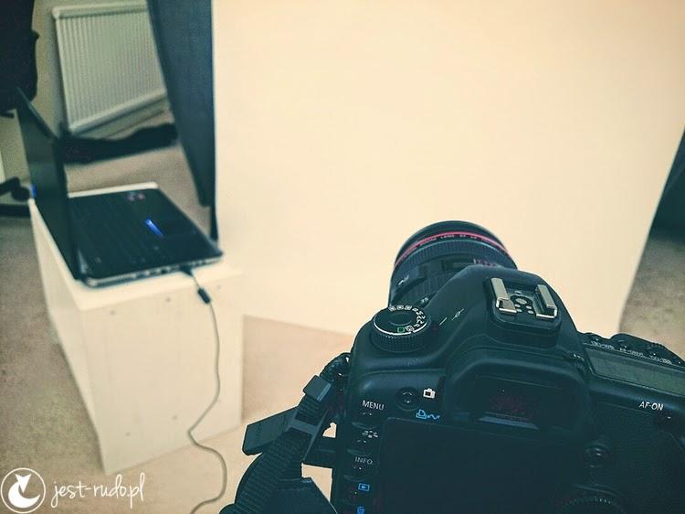 jak zrobić autoportret lustrzanką i cyfrówką Canon