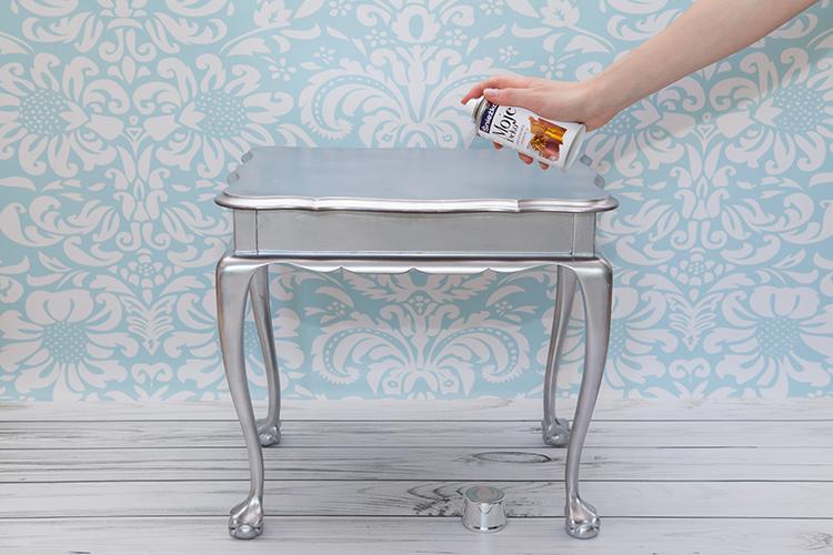 jak malować drewniane meble