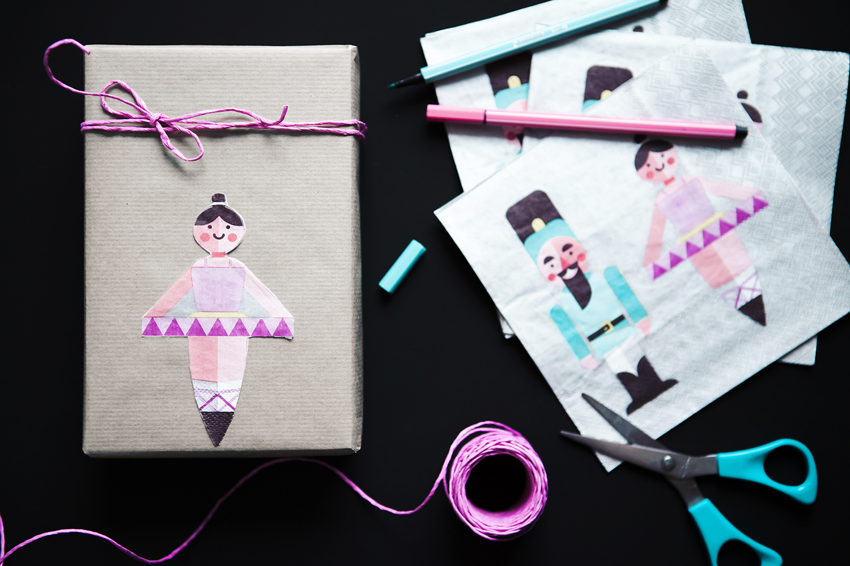 pakowanie prezentów w papier DIY