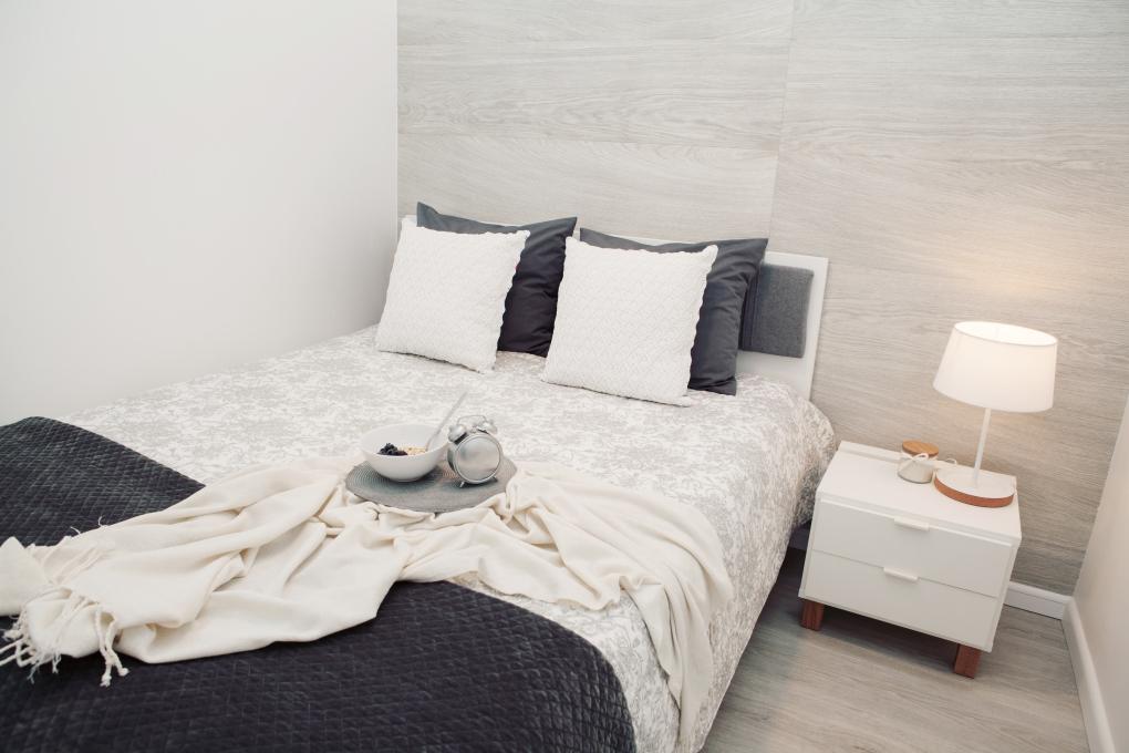 mała sypialnia w bloku - wystrój sypialni